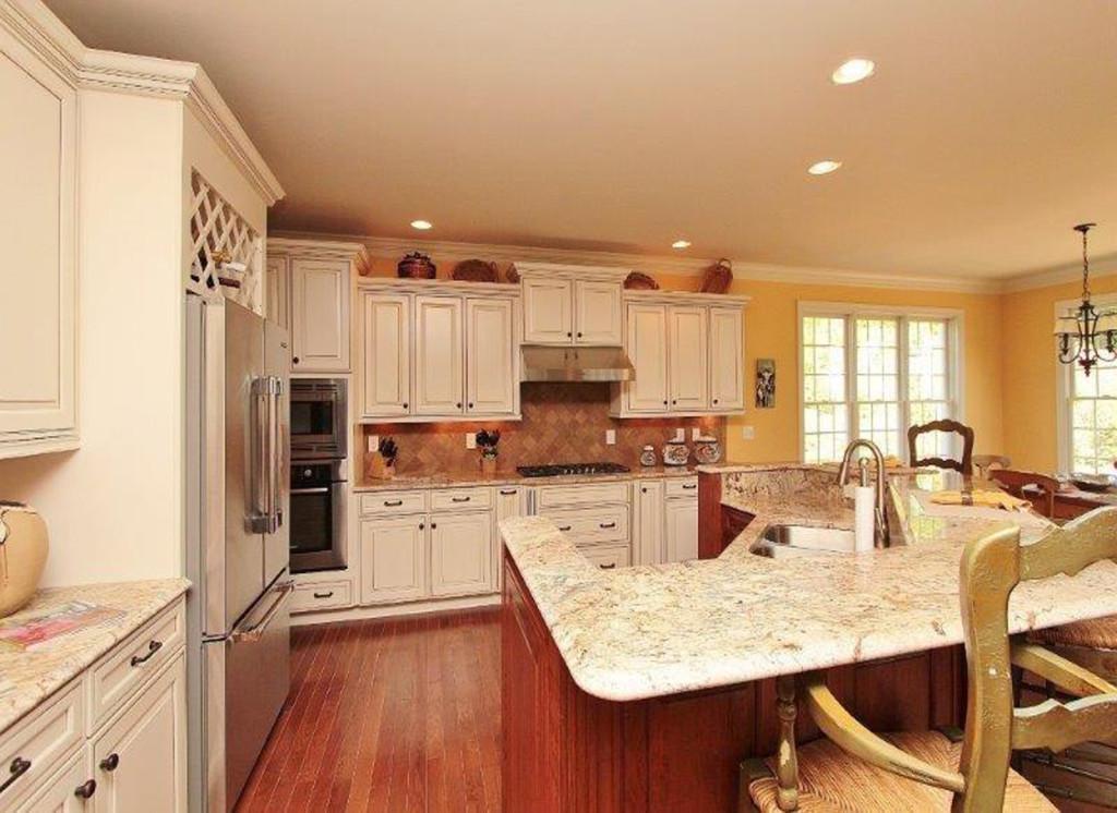 Kitchen 2 LG
